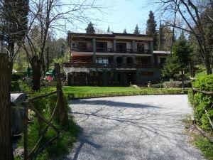 Hotel v Tiranskom parku