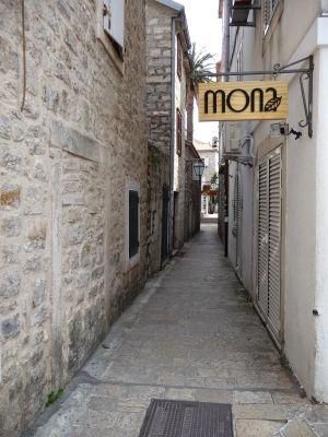 V uličkách Budvy