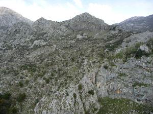 Kotorská Pevnosť sv. Jána obkolesená horami