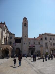 Námestie Luža, mestská zvonica s benátskymi hodinami