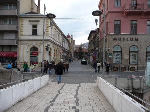 Latinský most - Miesto atentátu je priamo pred dnešným múzeom