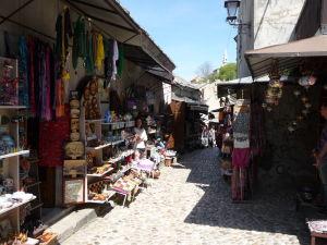Uličky Starého mesta s predajňami suvenírov