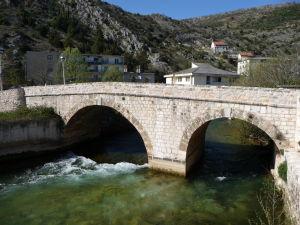 I v Stolaci majú zaujímavé kamenné mosty
