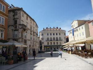 Námestie Narodni Trg - Vidieť tu vplyv benátskej i rakúskej architektúry