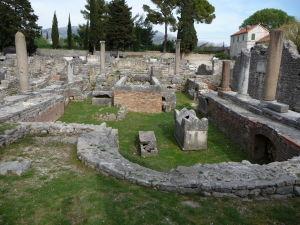 Pozostatky zrejme stredovekého chrámu