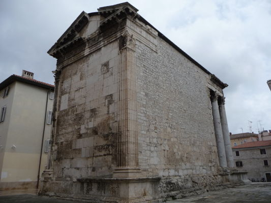 Augustov chrám na bývalom rímskom fóre v Pule