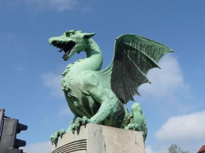 Drak - symbol mesta na tzv Dračom moste (Zmajski most)
