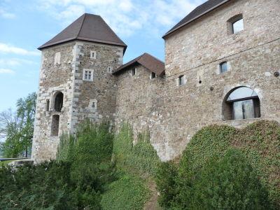 Malebné staré múry hradu