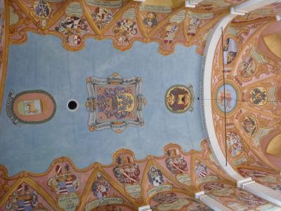 Strop kaplnky s erbmi šľachtických rodov