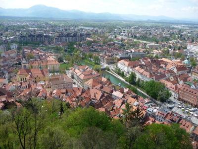 Výhľad na Ľubľanu z hradu - Vľavo katedrála