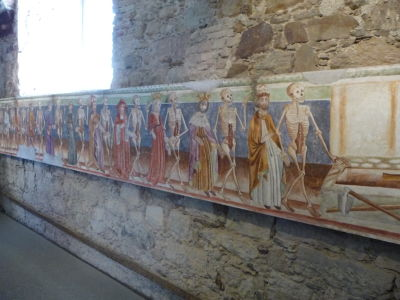 Freska znázorňujúce zosnulých kráľov (vedených smrtkou)
