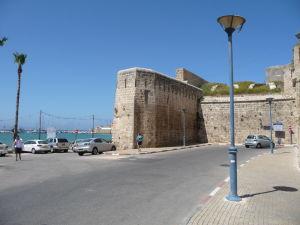 Opevnenie mesta v okolí vstupnej brány