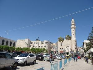 Námestie Manger - Priamo oproti Chrámu Narodenia stojí Omarova mešita