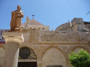 Socha sv. Hieronyma pred Chrámom sv. Kataríny