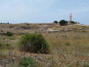 Pohľad na rímsku agoru (centrálne námestie), Odeón a Pafoský maják