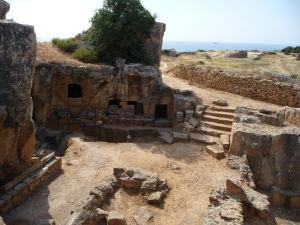 Ruiny jednej z väčších hrobiek