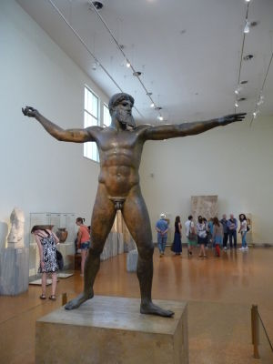 Bronzová socha Poseidona, nazývaná aj Artemision - jedno z najvzácnejších umeleckých diel v múzeu