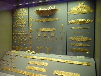 Zlaté artefakty