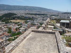 Výhľad na Atény z Akropoly - Vľavo Chrám Olympského Dia