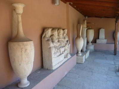Náhrobné monumenty