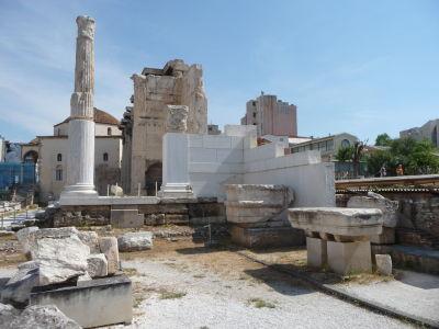 Hadriánova knižnica - V pozadí mešita Fethiye
