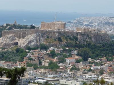 Výhľad z polcesty na vrch Lycabetus - Akropolis