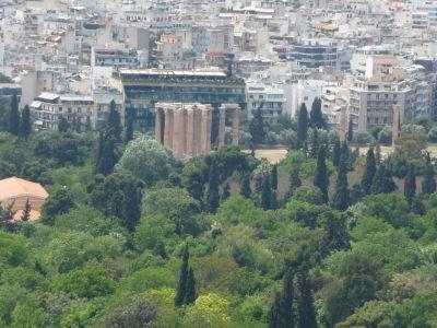 Výhľad z polcesty na vrch Lycabetus - Olympieion