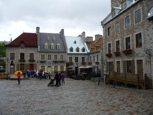 Námestie Place Royale v Québecu, malebné srdce mesta - tu sa údajne vylodil Samuel de Champlain v roku 1608 a mesto založil