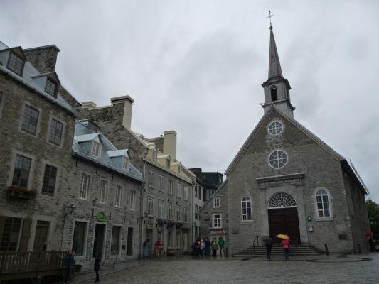 Kostol Panny Márie Víťaznej (Église Notre-Dame-des-Victoires) na námesti Place Royale v Québecu