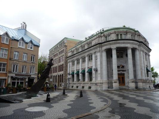 Kamenné uličky dolnej časti (Basse-Ville) Québecu