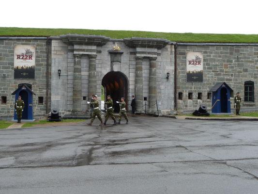 Výmena stráží pred citadelou v Québecu