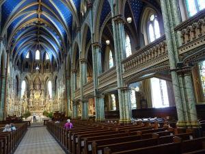 Katedrála Notre-Dame - hlavná loď a galéria