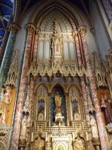 Katedrála Notre-Dame - bočný oltár