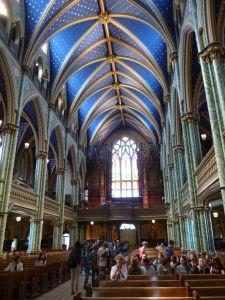 Katedrála Notre-Dame - hlavná loď a organ