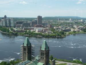 Veža mieru (Peace Tower) - výhľad na rieku Ottawa