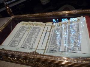 Centrálny blok parlamentu - Memorial Chamber - knihy s menami padlých vo vojne