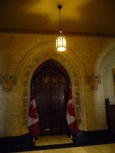 Centrálny blok parlamentu (Central Block) - vchod do Dolnej komory (House of Commons)
