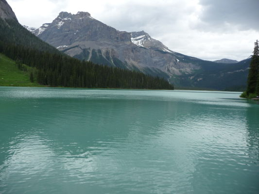 Smaragdové jazero (Emerald Lake) v národnom parku Yoho