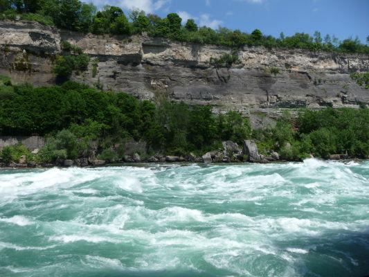 White Water Walk - turistická cestička popri perejách kúsok od Niagarských vodopádov