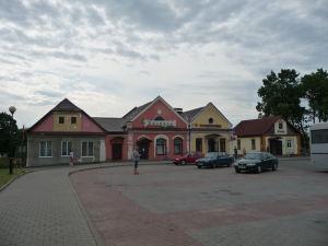 Hlavné námestie v dedinke Mir