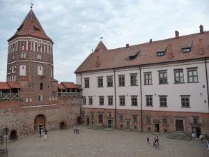 Nádvorie hradu Mir