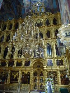 Ikonostas vo zvonici - ako v iných ruských chrámoch, zlatom sa nešetrí