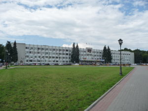 V mnohých ruských mestách koexistuje vedľa seba náboženská a sovietska architektúra a Sergijev Posad nie je výnimkou