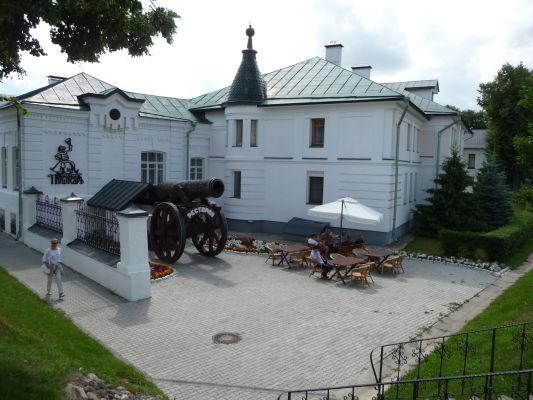 Jeden z komplexov s reštauráciou a hotelom v Suzdali