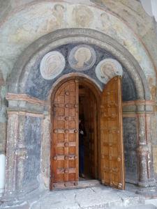 Kláštor premeny Spasiteľa - Vchod do katedrály