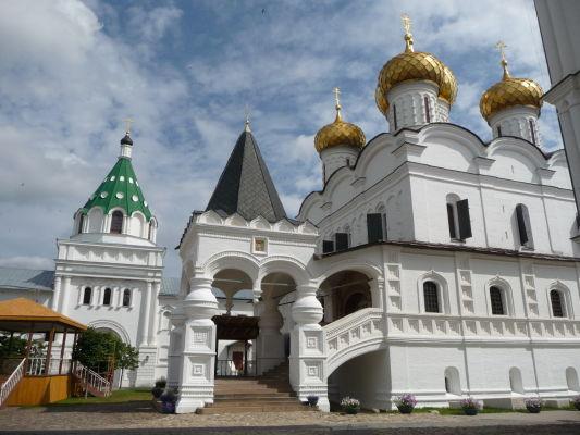 Chrám Sv. Trojice v Ipatievskom kláštore v Kostrome