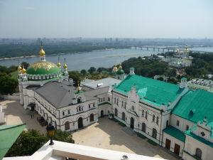 Pohľad na kláštor a rieku Dneper zo zvonice