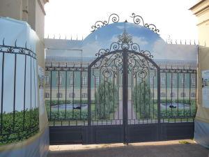 Vchod a maketa Mariinského paláca