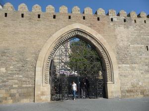 Jedna zo vstupných brán do starého mesta
