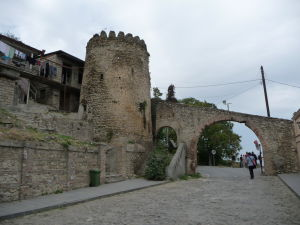Signagi - mesto lásky - Stará vstupná brána v opevnení